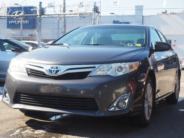 Certified Pre-Owned 2012 Toyota Camry Hybrid LE