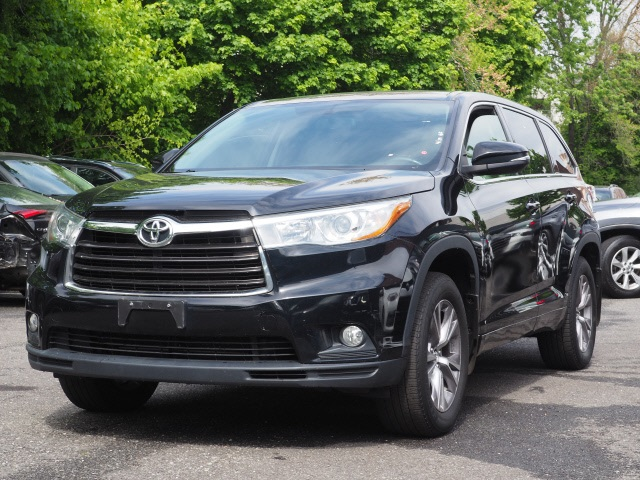 Certified Pre-Owned 2016 Toyota Highlander LE Plus V6
